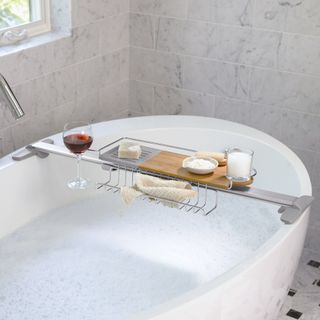 Adjustable_bathtub_caddy_lifestyle[1]