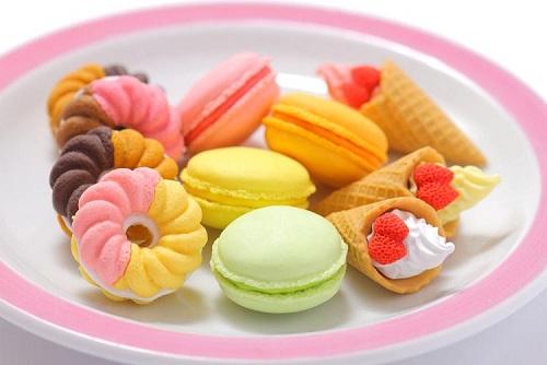 Iwako-sweets-erasers